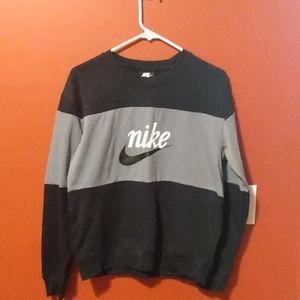 Women's Nike loose fit sweatshirt